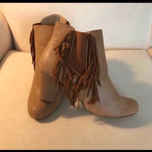 Chase + Chloe ankle boots Size 7.5